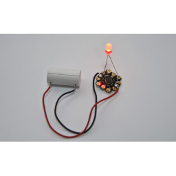 Button Cell Battery Holder (with batteries - 4.5v)