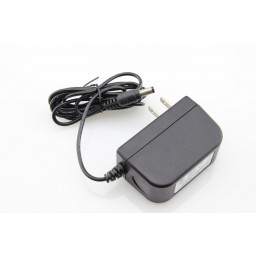 AC / DC 9V 2A Power Adapter with Cable
